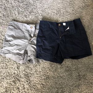 Bundle of two Women's Old Navy everyday short.